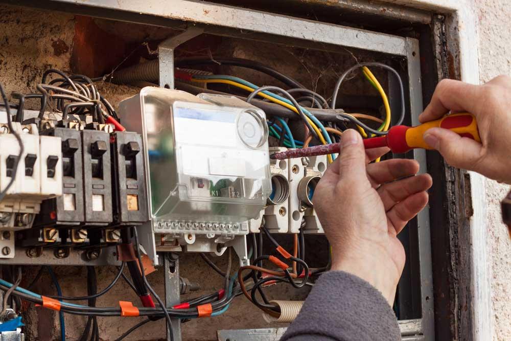 electrician repairing